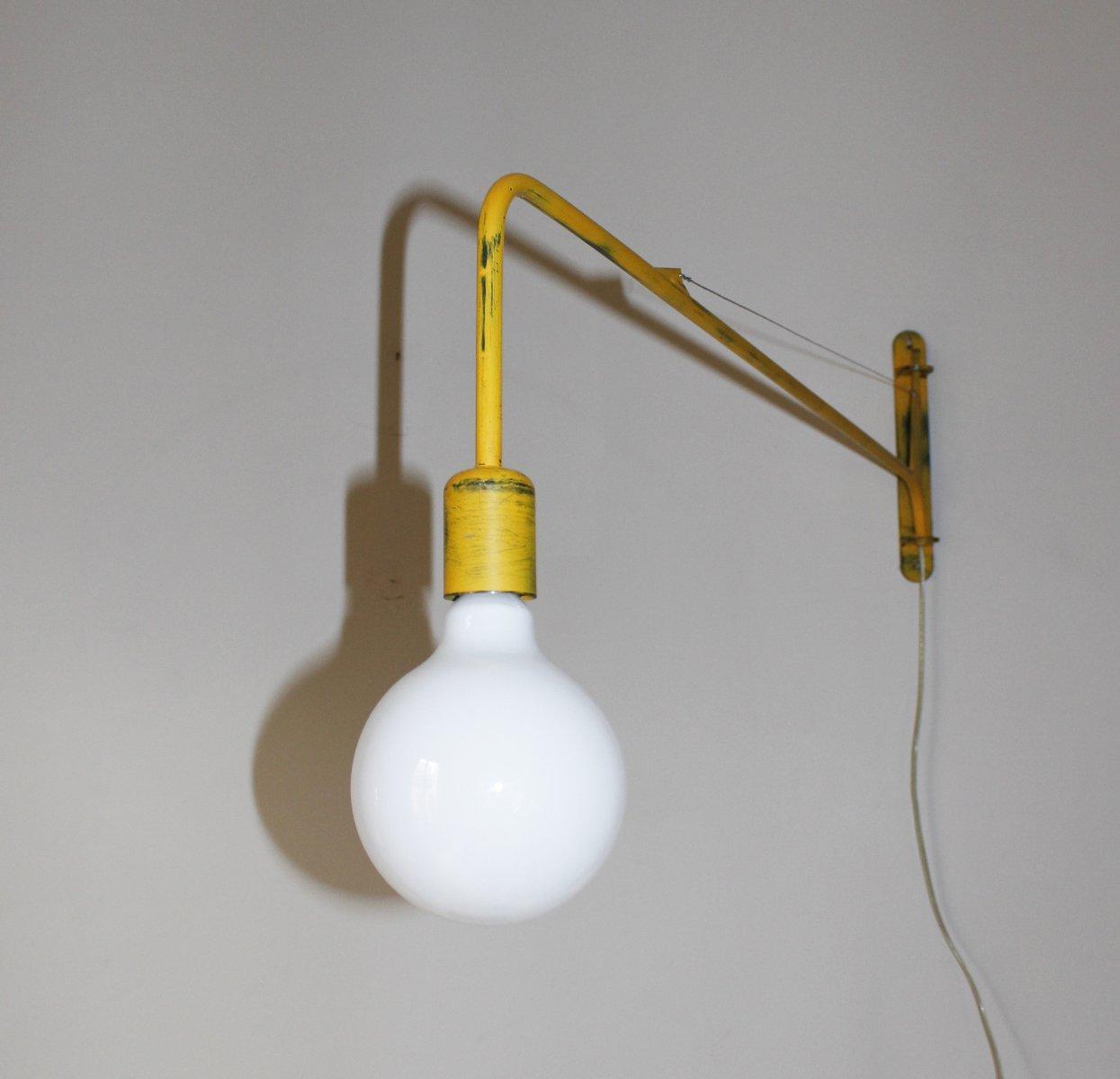 gelbe industrie wandlampe bei pamono kaufen. Black Bedroom Furniture Sets. Home Design Ideas