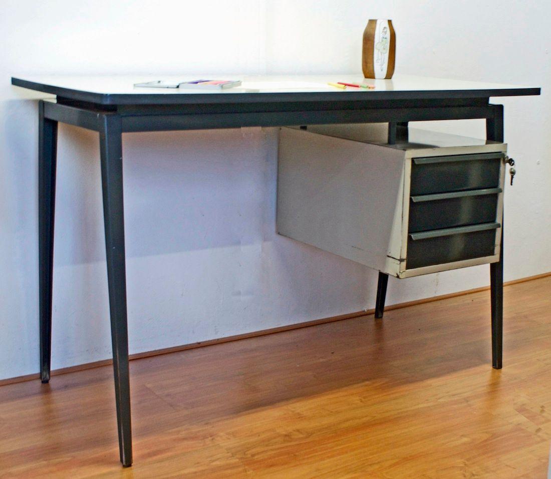 industrie schreibtisch aus metall von marko holland bei pamono kaufen. Black Bedroom Furniture Sets. Home Design Ideas