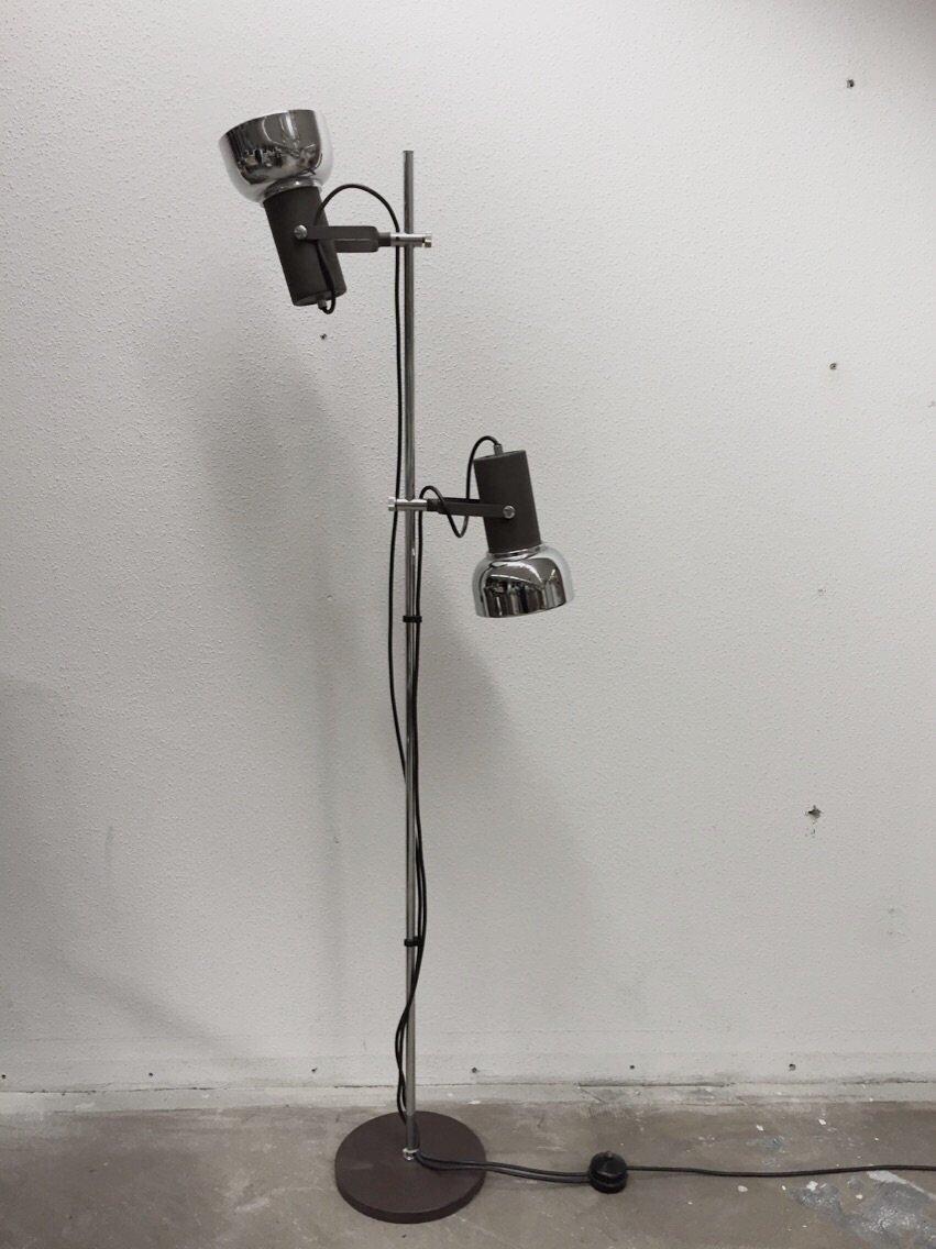 Vintage industrial floor lamp 1960s en venta en pamono vintage industrial floor lamp 1960s aloadofball Image collections