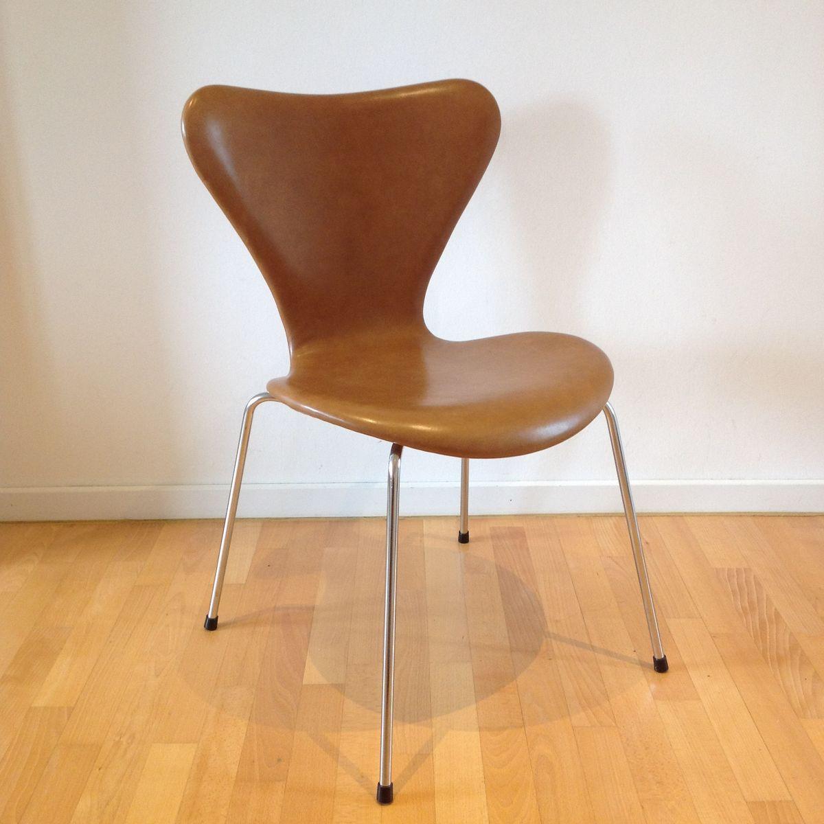 3107 Syveren Elegance Dining Chair In Brown By Arne Jacobsen For Fritz Hansen