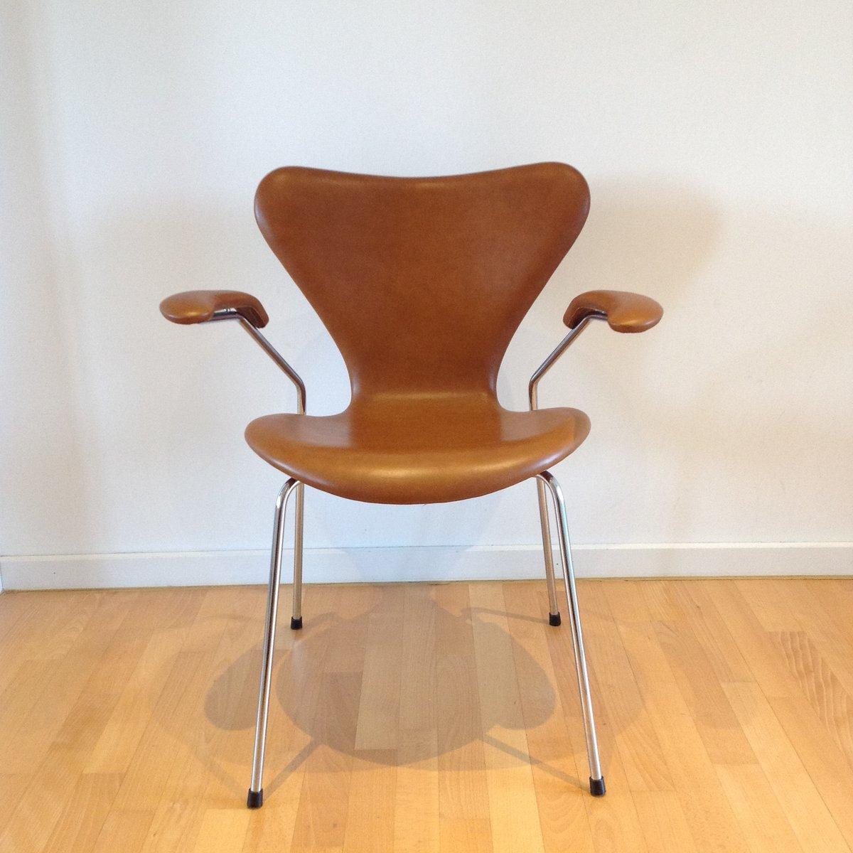 3207 Syveren Elegance Wax Dining Chair In Brown By Arne Jacobsen For Fritz Hansen