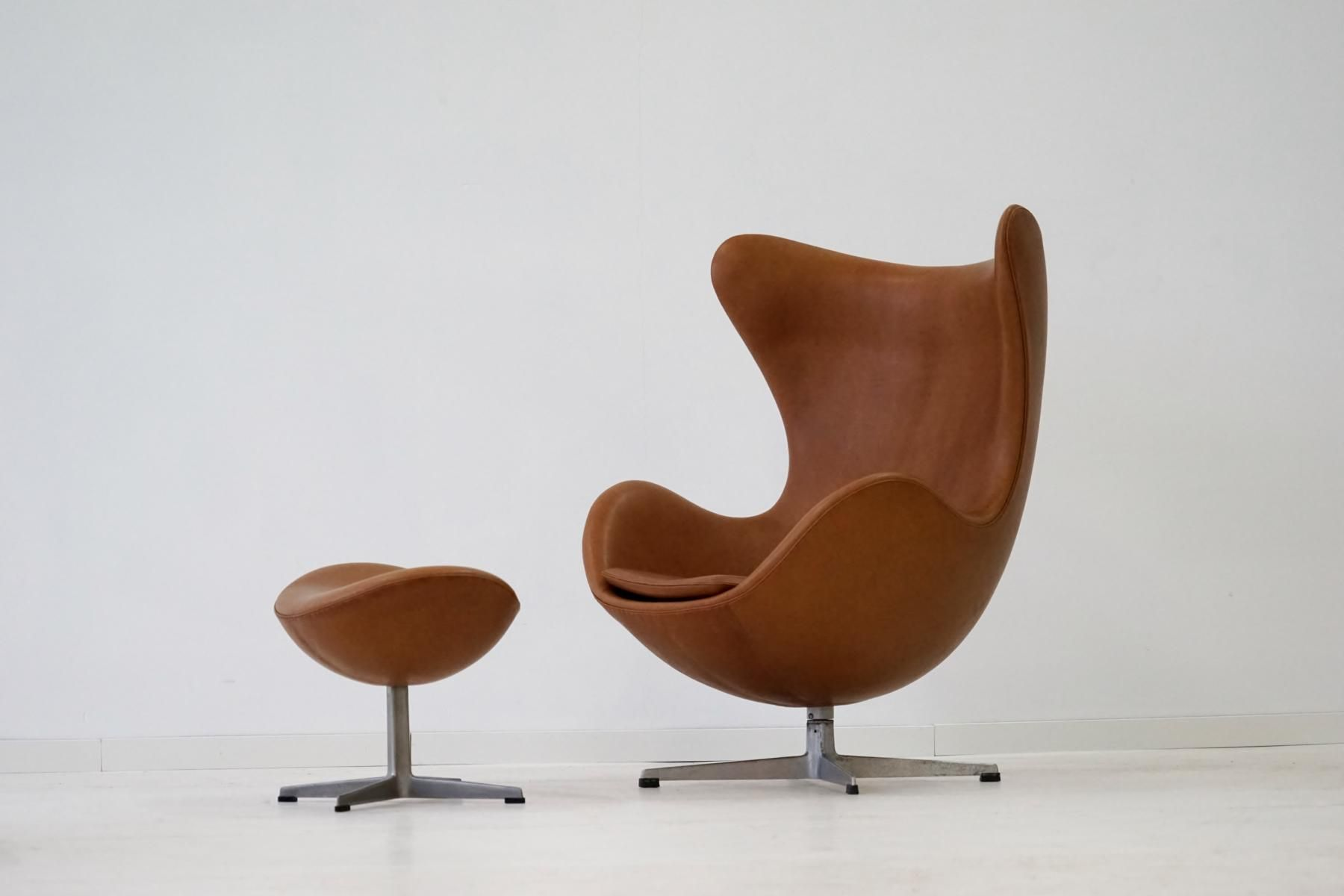 egg sessel ottomane aus leder von arne jacobsen f r fritz hansen 1960er bei pamono kaufen. Black Bedroom Furniture Sets. Home Design Ideas