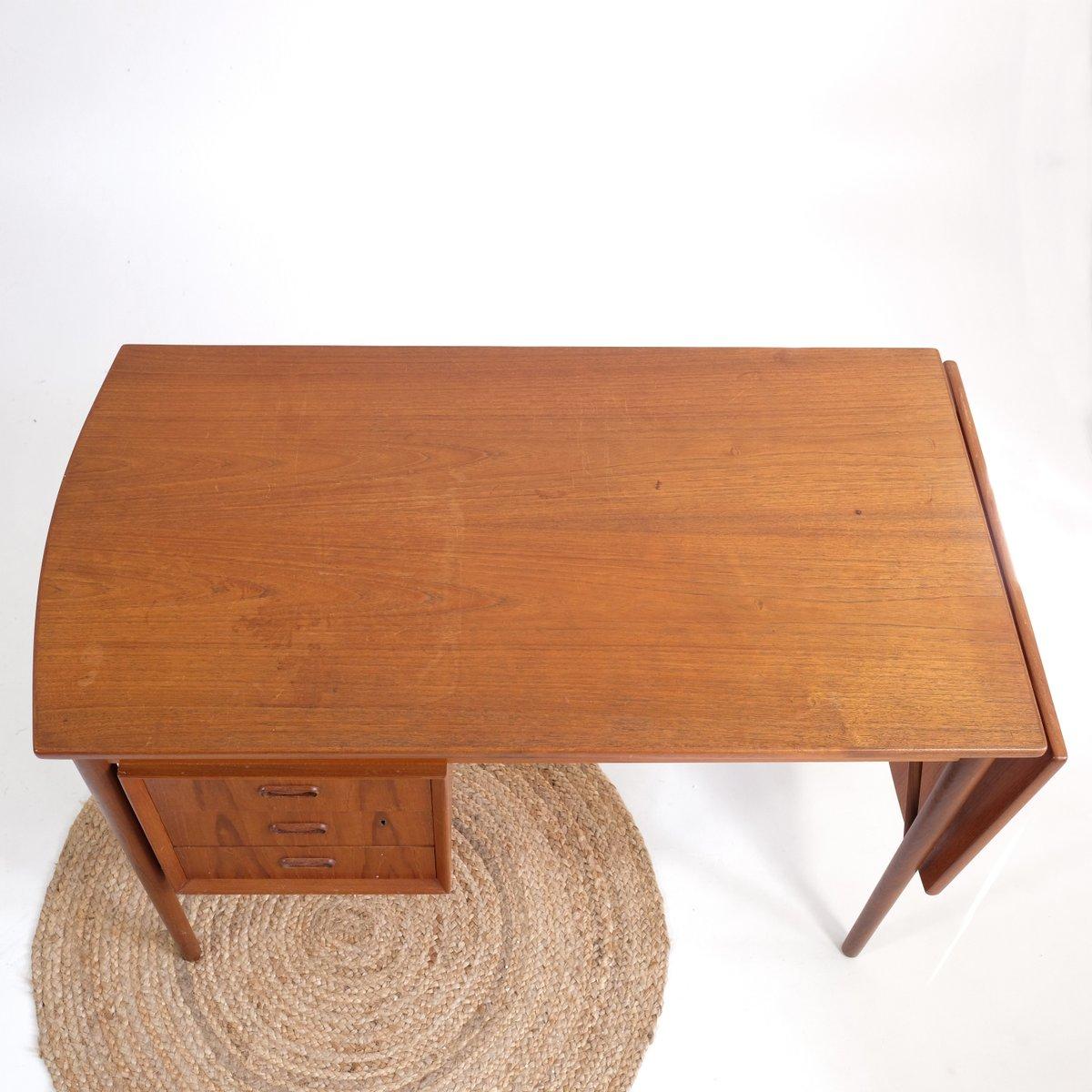 ausziehbarer skandinavischer teak schreibtisch mit 3. Black Bedroom Furniture Sets. Home Design Ideas