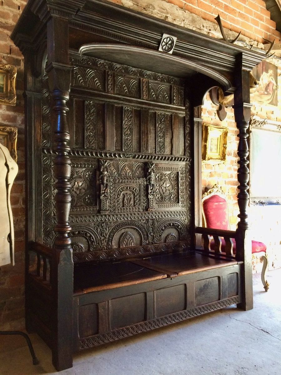 previous & Antique Carved Oak Canopy Bench 1640s for sale at Pamono