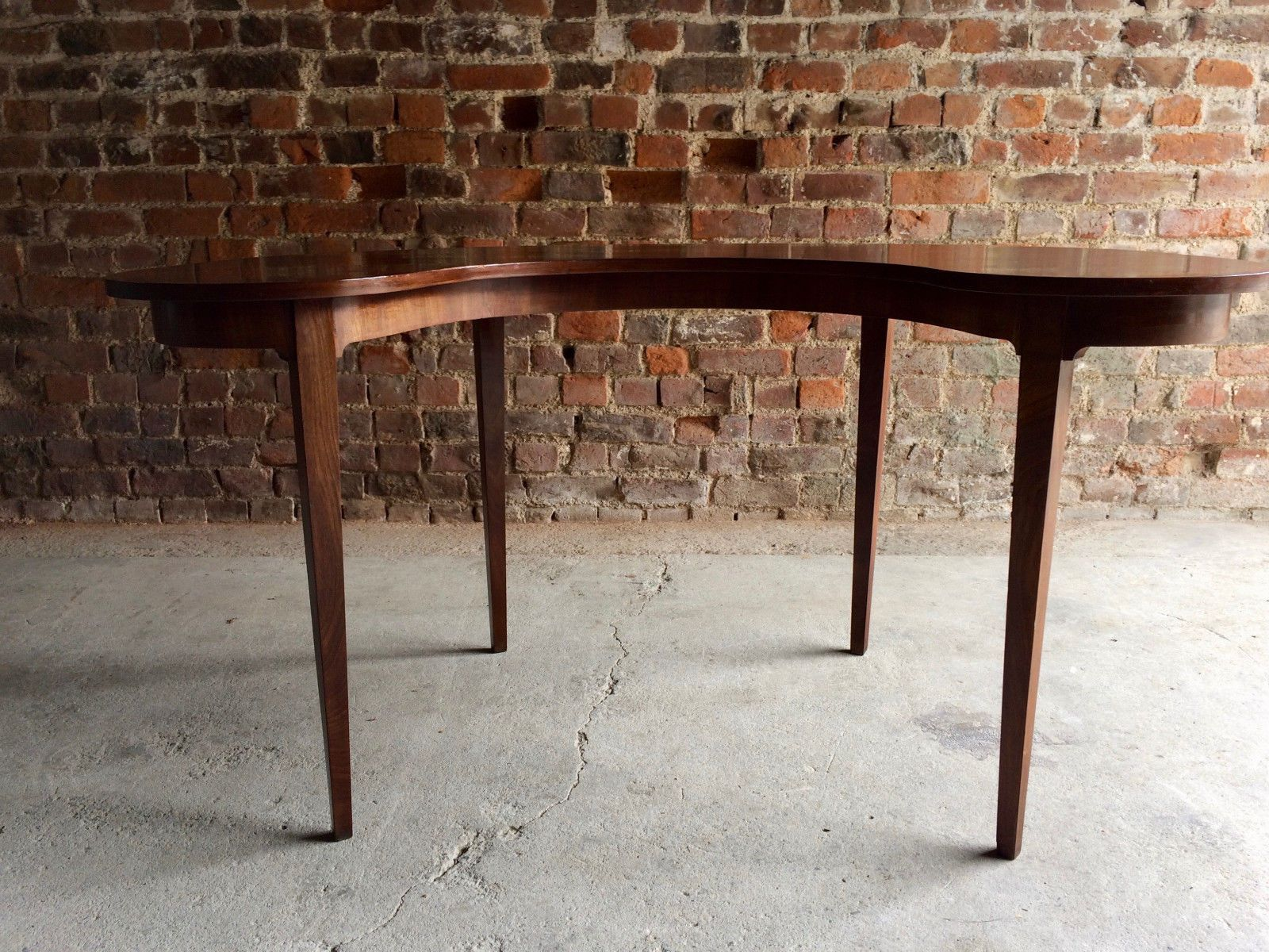 Antique Kidney Shaped Mahogany Hunt Table for sale at Pamono