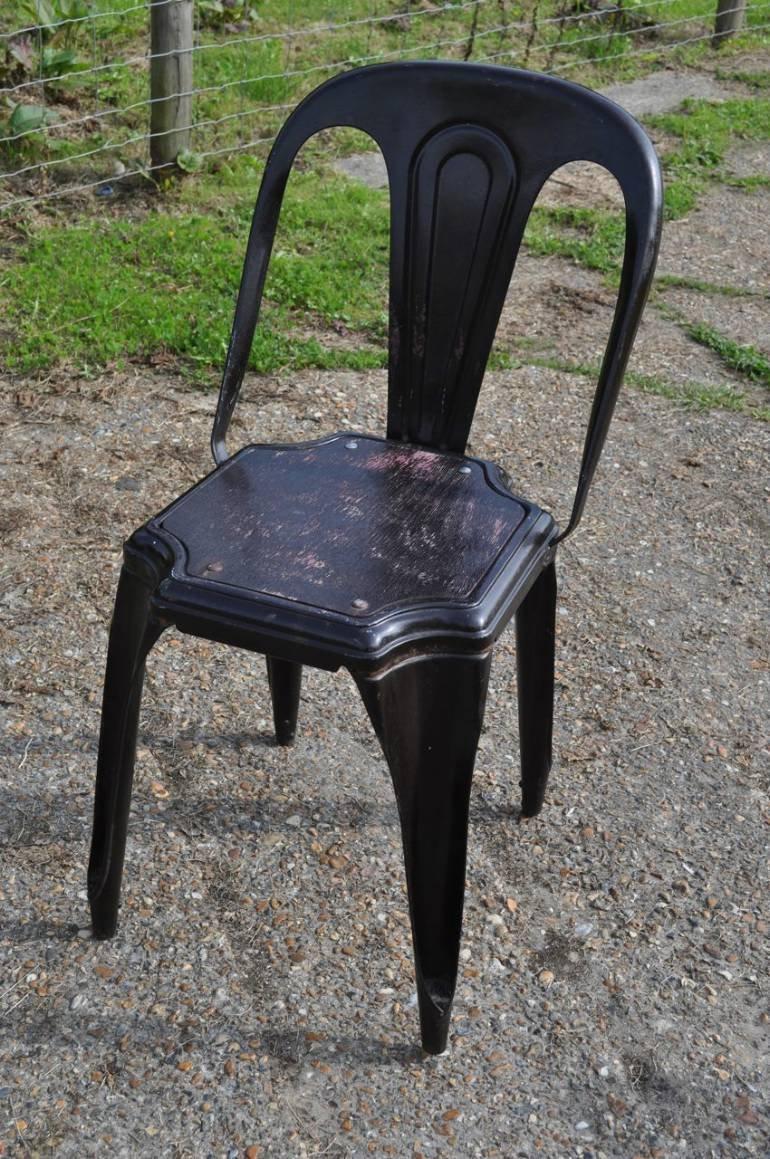 chaise en m tal de tolix france en vente sur pamono. Black Bedroom Furniture Sets. Home Design Ideas