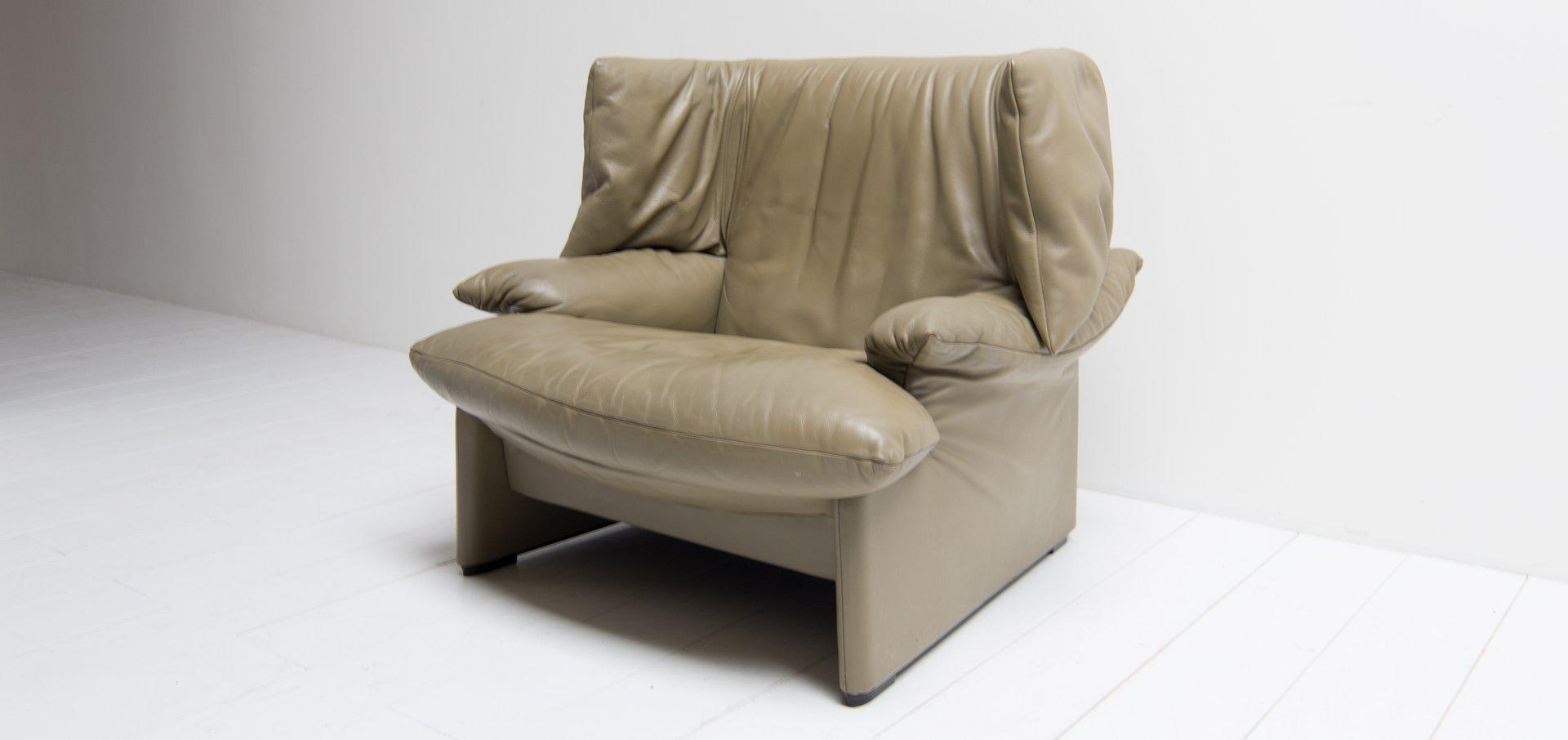 italian portovenere wingback chair by vico magistretti for cassina 1989 for sale at pamono. Black Bedroom Furniture Sets. Home Design Ideas