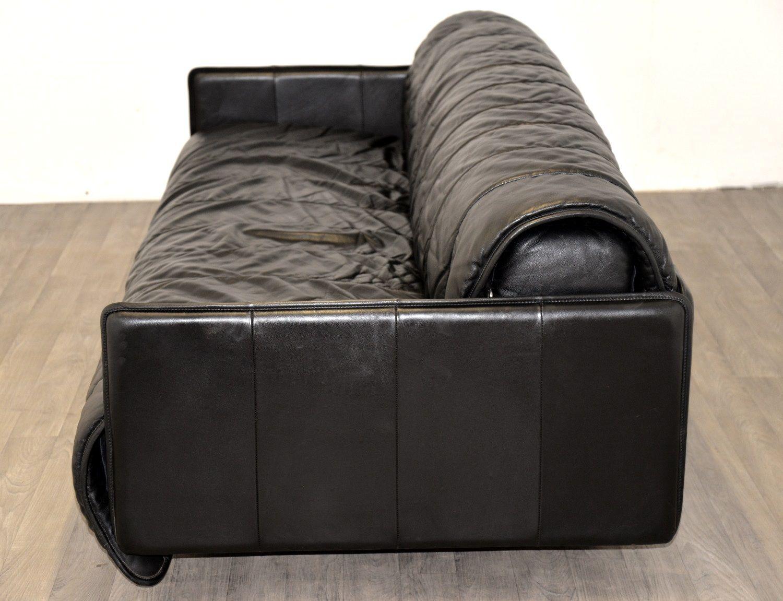 schwarzes leder schlafsofa von de sede 1970er bei pamono kaufen. Black Bedroom Furniture Sets. Home Design Ideas