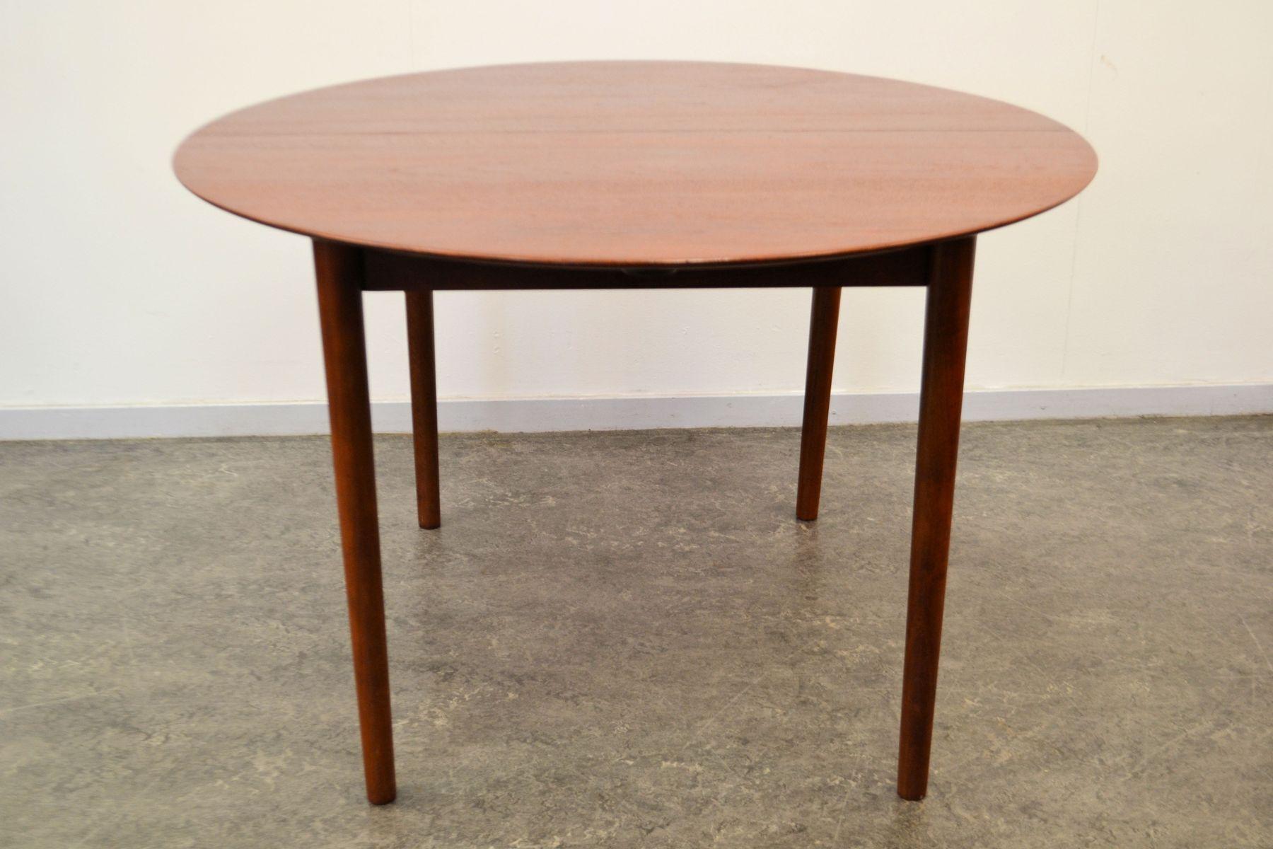 Table de salle manger par hvidt molgaard nielsen pour for Salle a manger 1950