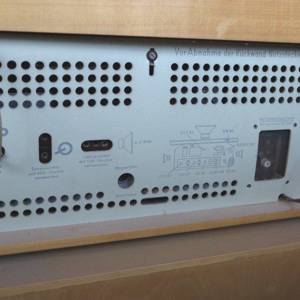 meuble radio mod le pk g5 de braun 1950s en vente sur pamono. Black Bedroom Furniture Sets. Home Design Ideas