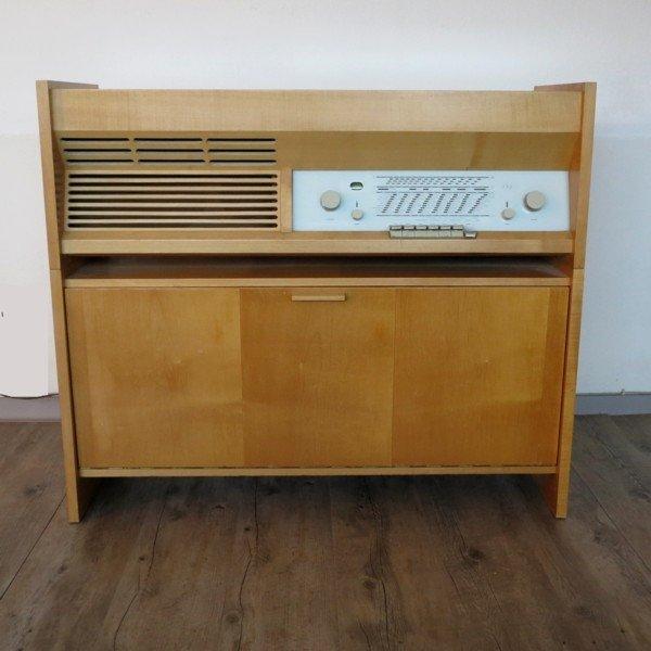 meuble radio mod le pk g5 de braun 1950s en vente sur. Black Bedroom Furniture Sets. Home Design Ideas