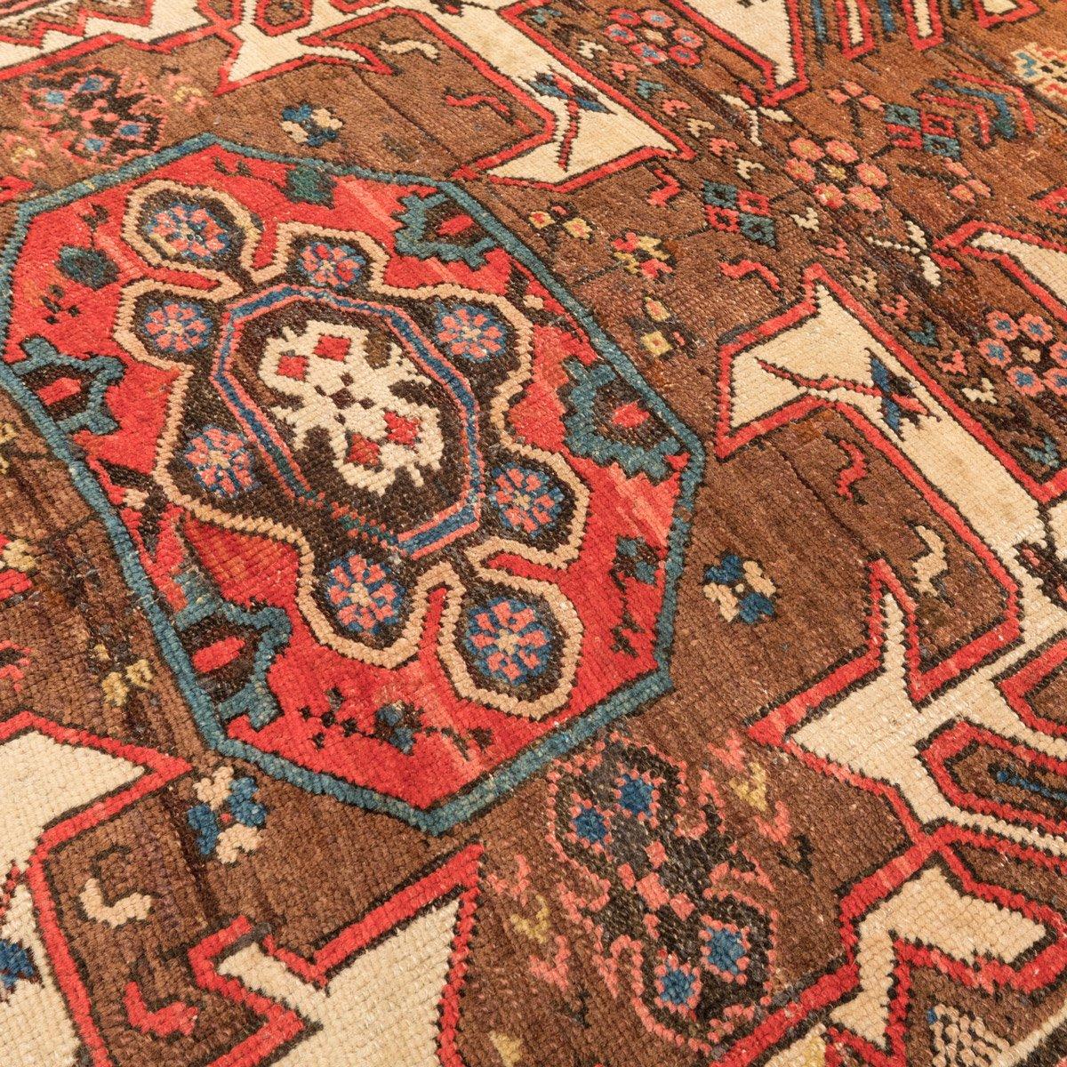 tapis kazakh caucasien antique avec motifs g om triques. Black Bedroom Furniture Sets. Home Design Ideas